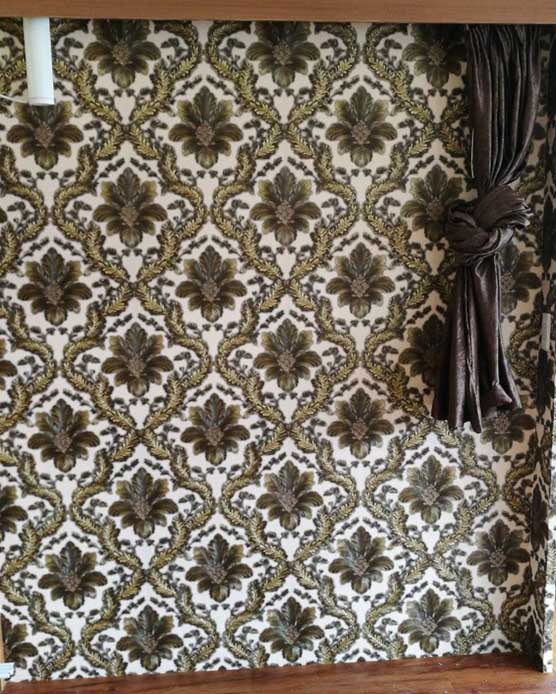 AY-30078 Cream & gold damask wallpapr